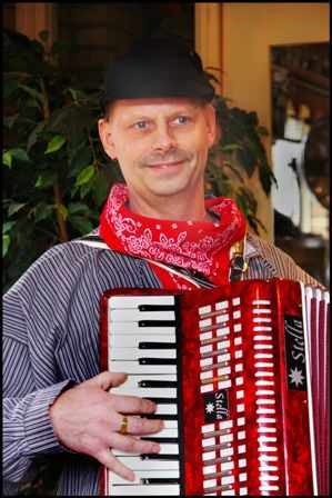 arnold_met_accordeon.JPG